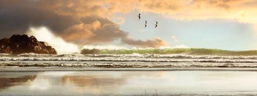 Волны при свете заката