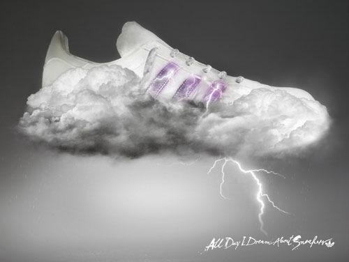 Adidas: Весь день я мечтаю о тапочках, облаке