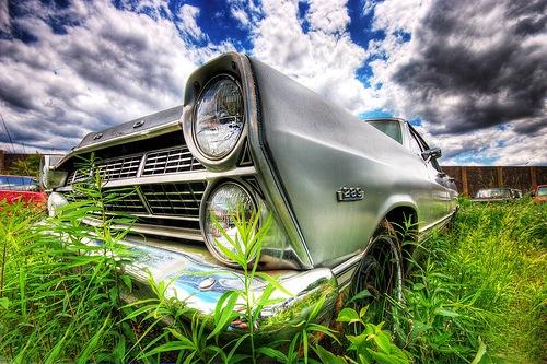 старый автомобиль в хдр