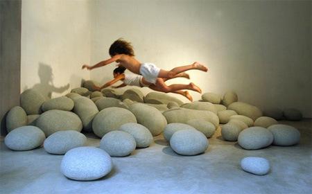 Подушки в виде камней