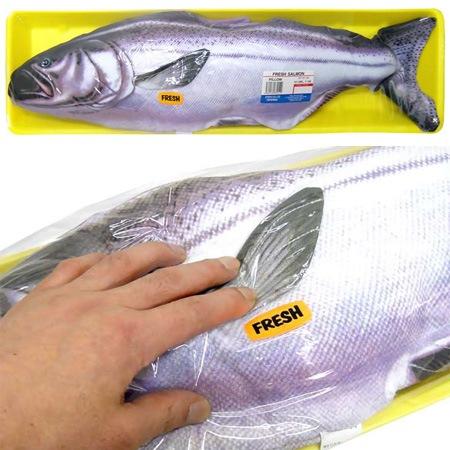 Подушка похожая на свежий лосось