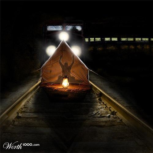 палатка на железной дороге
