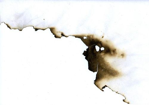 Обрывок сгоревшей бумаги