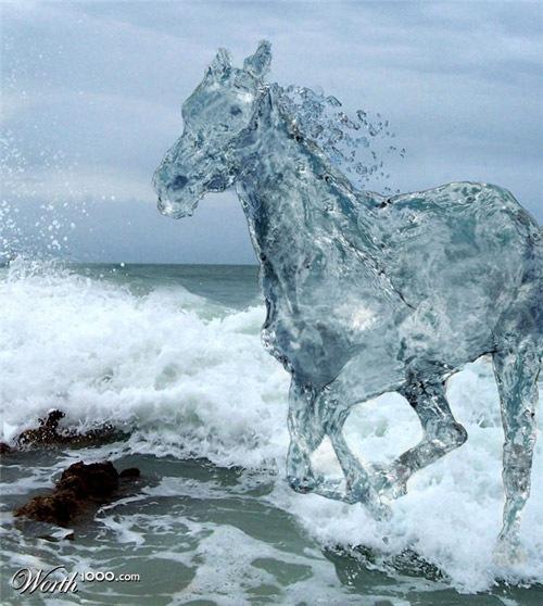 конь из воды