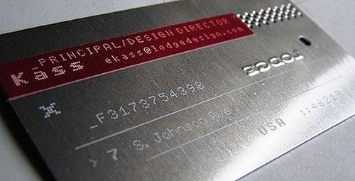 визитка в виде металлической карты
