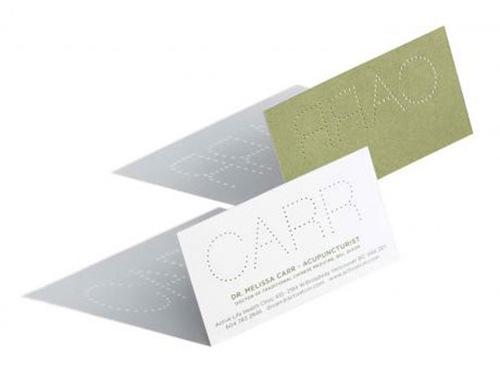 просвещающийся шрифт на визитке
