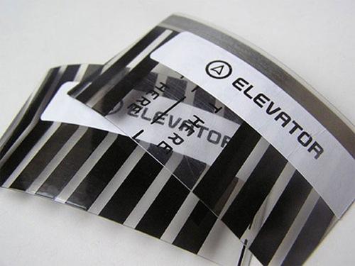 прозрачная изогнутая визитка