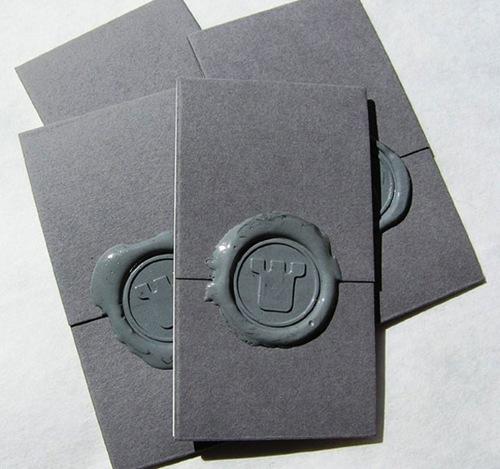 креативная визитка со штампом