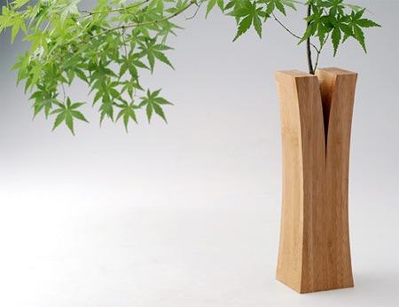 Расколотая деревянная ваза