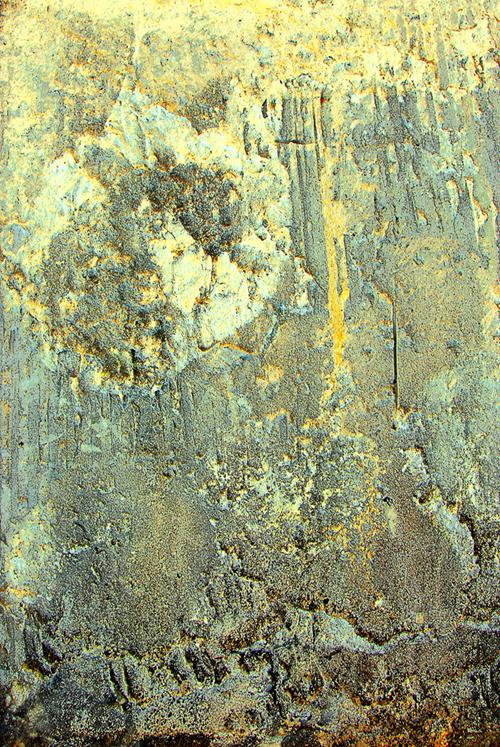 битая старая стена