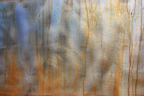 ржавые потеки на текстуре