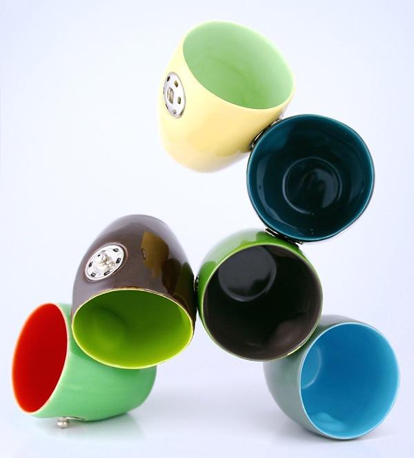 Чашки присоединенные кнопками
