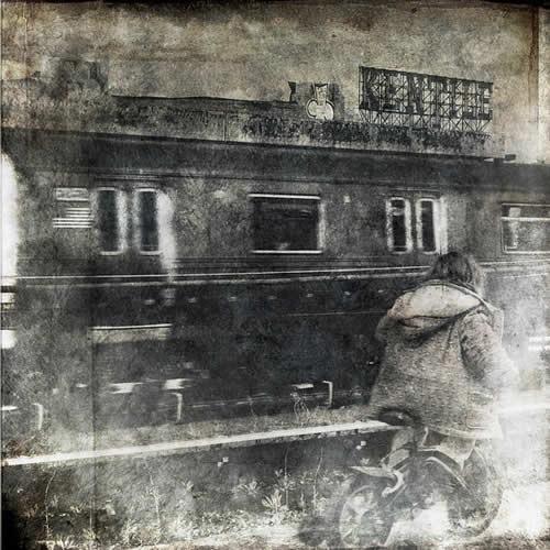 состареное черно-белое фото