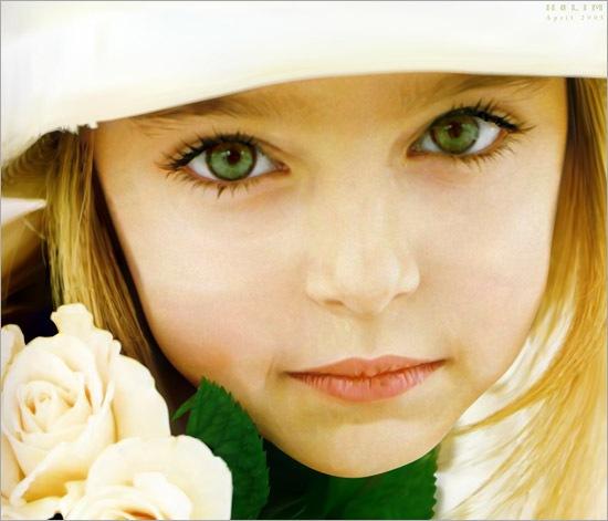 зеленоглазая девочка в шляпе