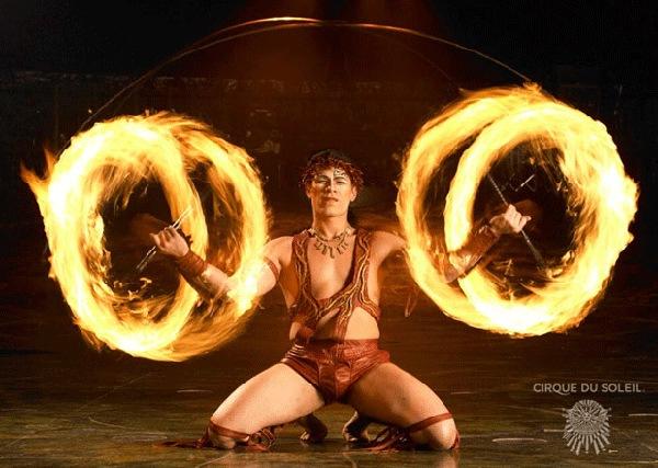 Танец с огненными ножами