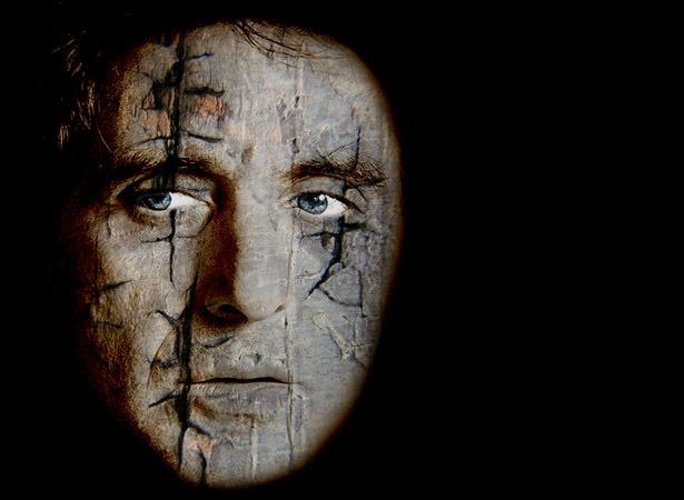 трещины на лице