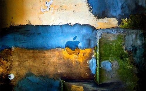 Яркие краски на стене