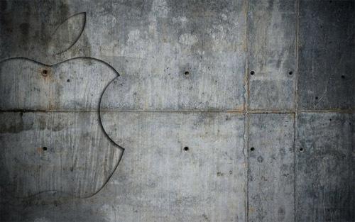 Apple на бетонной стене