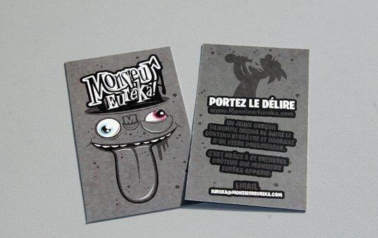 Стильная визитка с забавным монстром