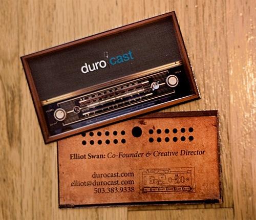 Визитка в виде старого радио приемника
