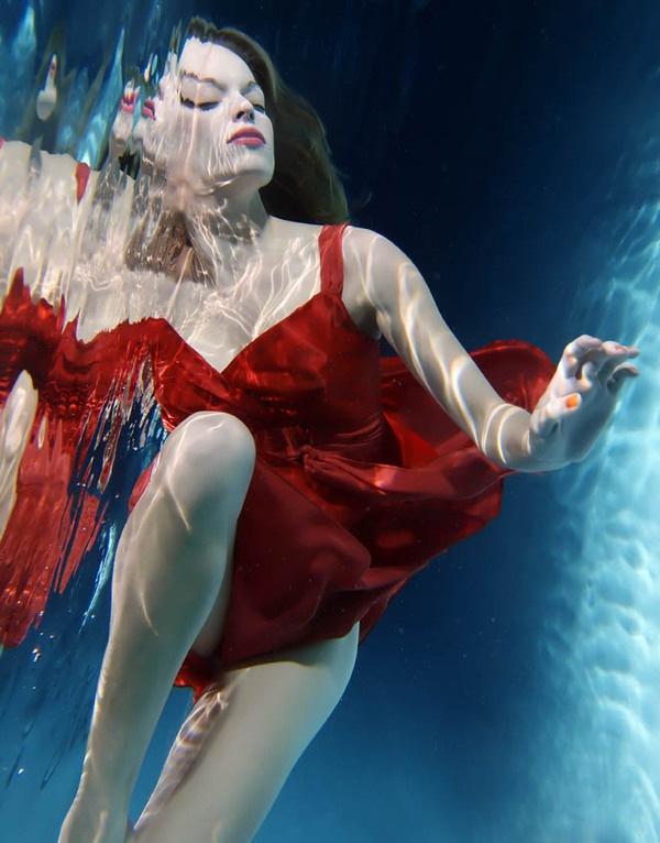 отражение под водой