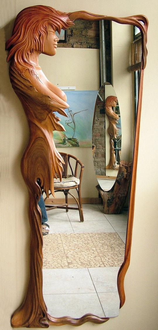 Оправа для зеркала из дерева