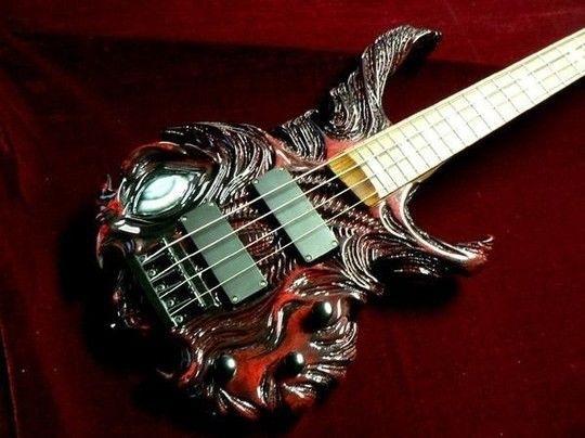 Креативная резная бас гитара