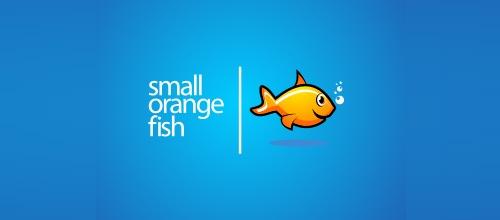 Забавная оранжевая рыбка