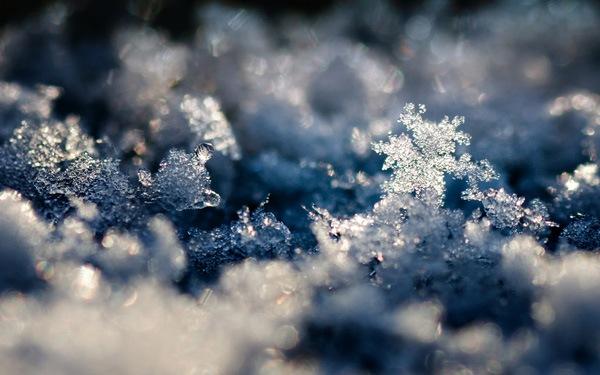 Снежный кристальный ландшафт