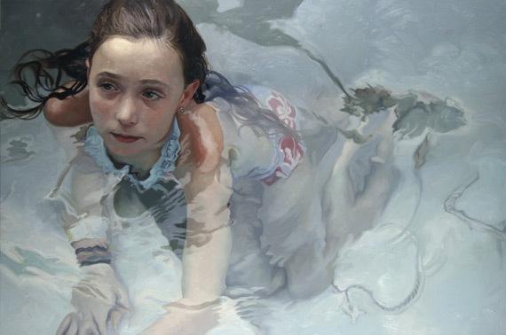 Девочка в воде