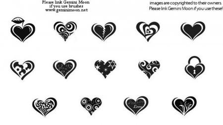 Кисти с изображениями различных сердец