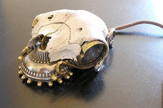 Механическая мышка-череп