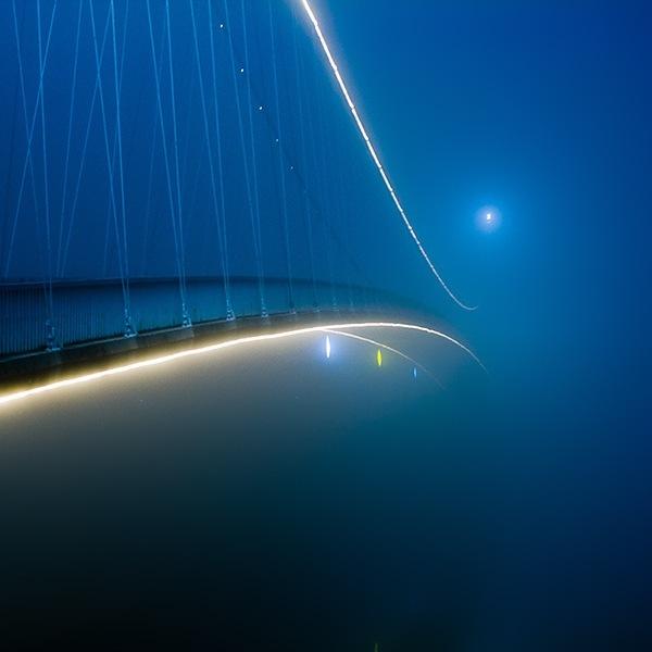 мост в туманность