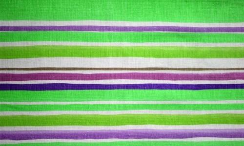 Полосатая зелено-пурпурная текстура