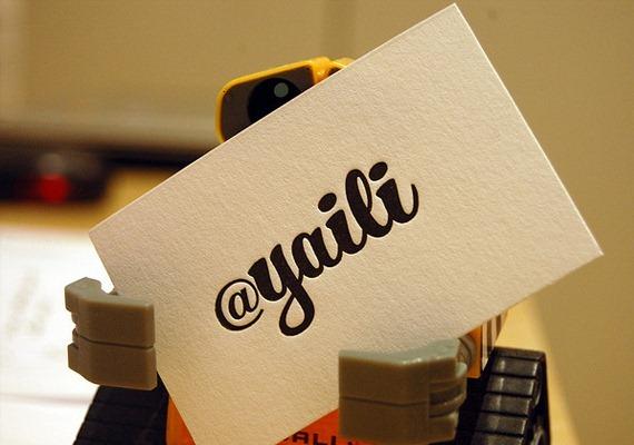 Жирный шрифт в качестве логотипа