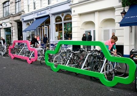 Стойки для велосипедов в форме автомобиля