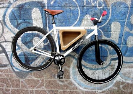 Стойка для велосипеда на стене